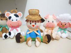 Felt Wreath, Farm Party, Birthday Board, Needle Felting, Hello Kitty, Birthday Parties, Birthdays, Teddy Bear, Christmas Ornaments