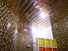 Алюминиевый реечный потолок в ванной - более 100 фото, потолок в ванной фото, реечный потолок в ванной фото, дизайн повесных потолков фото, подвесные потолки в ванной фото