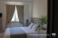 A double room in our charming hotel, located in the Atlantic Coast ! Book on line : http://www.domainedesaintpalais.eu