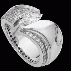We have differrent type of brilliant cut and princess cut engagement ring. We use Australia's rare diamonds in your ring.So,you can get the best value for your money.