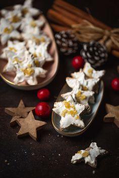Merkur Blog | Ingwer-Zimtsterne Strudel, Dessert, Panna Cotta, Ethnic Recipes, Christmas, Blog, Banana, Christmas Eve, Weihnachten