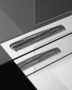Comb - Baxter of California by Nik Mirus and Oliver Stenberg life Still Photography, Beauty Photography, Product Photography, Fashion Still Life, Baxter Of California, Still Life Photographers, Commercial Photography, Set Design, Graphic Design Inspiration
