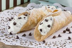 Imagine the look on their faces when you show up with a box full of homemade Bakery-Style Cannolis? This Italian dessert never disappoints and will always earn you compliments.