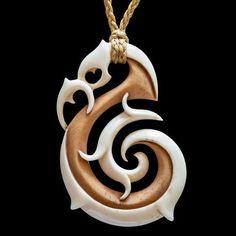 Stained Toroa Koru bone carving pendant by Kerry Thompson Wood Carving Art, Bone Carving, Fish Hook Necklace, Maori Patterns, Diy Wooden Projects, Polynesian Art, Bone Crafts, Maori Designs, Bone Jewelry