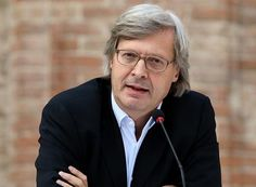 """Sgarbi: """"Carrara, la Biennale? Un disastro. C'era di tutto tranne il marmo"""""""