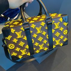 Cheap Best High Quality Replica Chanel bags and purses on sales Marca Louis Vuitton, Louis Vuitton Handbags, Purses And Handbags, Vuitton Bag, Replica Handbags, Brahmin Handbags, Designer Handbags, Fendi, Gucci