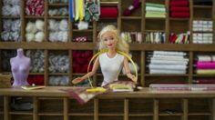 http://mobile.francetvinfo.fr/economie/entreprises/barbie-ne-seduit-plus-autant-les-petites-filles_722611.html#xtref=https://www.google.fr/