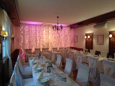 #wedding #decor #hochzeit #esküvő #weddinglights #LEDlights #white #magenta #pink #moodlighting Coron, Magenta, Wedding Decor, Chandelier, Ceiling Lights, Lighting, Pink, Home Decor, Wedding