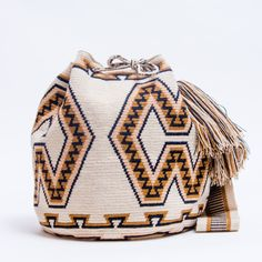 Limited Edition Wayuu Bag – SHOP WAYUU BAGS | Handmade by the Wayuu Tribe Tapestry Crochet, Bucket Bag, Purses And Bags, Shopping Bag, Knitting, Handmade, Crafts, Design, Crochet Backpack