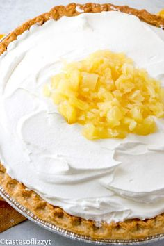 A unique pie recipe from an old Amish cookbook. This Amish Pineapple Pie is a creamy, cool no-bake sweet treat that won& heat up your kitchen! Pinapple Pie, Pineapple Pie Recipes, Baked Pineapple, Easy Pie Recipes, Amish Recipes, Tart Recipes, Pineapple Desserts, Pie Dessert, Dessert Recipes