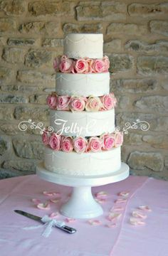 Pink roses, lace and pearls wedding cake - JellyCake