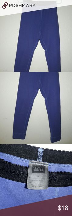 REI Fleece Leggings Girls L Midweight fleece leggings, great for skiing or as a baselayer for winter activities. Girls large but fits like Womens small petite REI Pants Leggings
