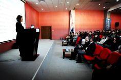 Vid föreläsningar kan man använda sig av pinterest genom att alla som lyssnar kan följa presentationen på sina mobiltelefoner.