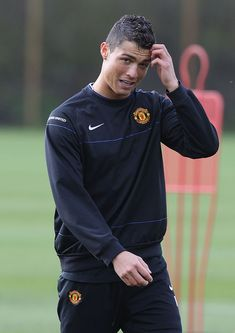 MANCHESTER, ENGLAND - MARCH Cristiano Ronaldo of Manchester United in action during a First Team training session at Carrington Training Ground on March 2009 in Manchester, England. (Photo by Matthew Peters/Manchester United via Getty Images) Cristinao Ronaldo, Cristiano Ronaldo Style, Cristiano Ronaldo Manchester, Cristiano 7, Ronaldo Juventus, Manchester England, Manchester United, Best Player, One Team
