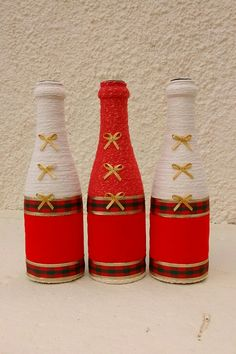 Frascos Rope Crafts, Jar Crafts, Diy And Crafts, Bottle Painting, Bottle Art, Yarn Bottles, Christmas Crafts, Christmas Decorations, Rustic Wine Racks