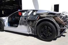 Bugatti-EB110-Stripped-Off-Its-Body-Panels-Looks-Like-A-Transformer