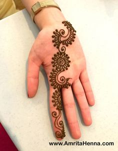 Mehndi Design Offline is an app which will give you more than 300 mehndi designs. - Mehndi Designs and Styles - Hand Henna Designs Henna Hand Designs, Henna Designs For Kids, Mehndi Designs Finger, Palm Mehndi Design, Simple Arabic Mehndi Designs, Indian Mehndi Designs, Mehndi Designs For Beginners, Mehndi Simple, Mehndi Designs For Fingers
