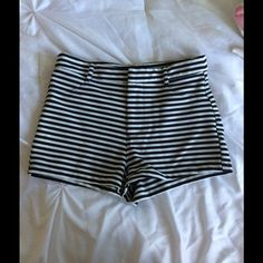 Forever21 Striped High Waisted Shorts Forever21 high waisted striped shorts. Medium, worn a few times. Forever 21 Shorts