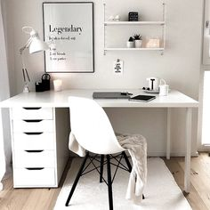 31 Stunning Home Office Decor Ideas You Definitely Like - These days, it's not unusual for most houses to have a home office. Your home office is just as much in need of nice decor as any other area in your h. White Office Decor, Interior Office, White Rooms, Home Staging, Office Desk, Home Accessories, Interior Decorating, Interior Design, Room Decor