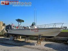 """Boston Whaler 25 Outrage - scafo 1992 motori 2006 - PERFETTA ED ACCESSORIATISSIMA !!! - Scafo 1992 - motori 2006 - barca completamente refittata nel 2013 con competenza, in maniera """"maniacale"""" e senza badare a spese - tutto e' perfetto ed originale - accessoriatissima - la piu' bella in Italia ilnavigatore.net #annunci #barche"""