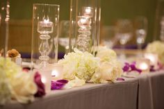Floral wedding arrangement for ceremony at the DoubleTree by Hilton Sonoma Wine Country. Photo credit to Mariah Smith Photography.