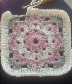 Transcendent Crochet a Solid Granny Square Ideas. Inconceivable Crochet a Solid Granny Square Ideas. Crochet Square Blanket, Crochet Quilt, Granny Square Crochet Pattern, Crochet Blocks, Crochet Flower Patterns, Crochet Stitches Patterns, Crochet Squares, Crochet Motif, Crochet Flowers
