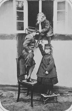 hrhawesome: The 3 eldest children of Emperor Frederick III of Germany and Prussia, L to R: Prince William (future Kaiser Wilhelm II,) Prince Henry and Princess Charlotte; Royal Princess, Crown Princess Victoria, Prince And Princess, Princess Charlotte, Prince Henry, Prince William, Prince Albert, Maud Of Wales, Queen Victoria Family