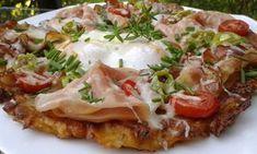 Brambory nastrouháme na hrubším struhadle. Cibulku nakrájíme na drobno, česnek prolisujeme. Všechny suroviny smícháme a vytvoříme těstíčko.... No Salt Recipes, What To Cook, Vegetable Pizza, Baked Potato, Ham, Potato Salad, Mashed Potatoes, Food And Drink, Menu