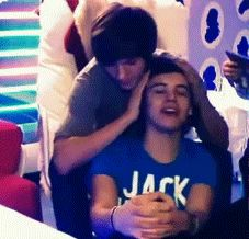 12 times Harry Styles and Louis Tomlinson obviously absolutely hated each other. One Direction News, One Direction Imagines, One Direction Pictures, Direction Quotes, Larry Stylinson, Larry Gif, X Factor, Larry Shippers, Harry Styles Pictures