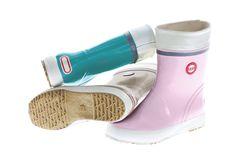 Hai Kids on kaikkien lasten iloisin ja värikkäin kumisaapas Seasonal Color Analysis, Kinds Of Shoes, Season Colors, Waterproof Boots, Candy Colors, Shoe Box, Marimekko, Me Too Shoes, Rain Boots