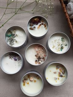Tin Candles, Candle Wax, Velas Diy, Homemade Scented Candles, Diy Christmas Presents, Bath Bomb Gift Sets, Candle Craft, Natural Candles, Candle Making