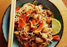Ázsiai ihletésű tészta 🍜🇲🇾 (padthai) | Barbåra receptje - Cookpad receptek Food And Drink, Ethnic Recipes, Cilantro