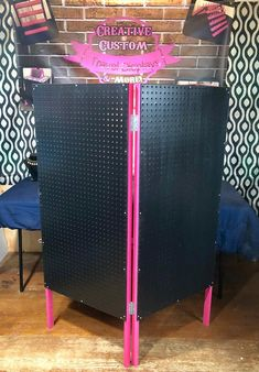 BOGO Pink/Black Xtra Large Shoji Folding Displays Buy one Get one OFF (Can be used for Paparazzi Jewelry! Paparazzi Display, Paparazzi Jewelry Displays, Paparazzi Accessories, Jewellery Storage, Jewellery Display, Earring Display, Wood Display Stand, Display Case, Display Boards