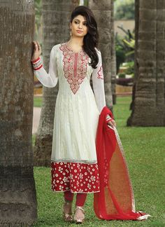 Magnificient White Diamond Work Salwar Kameez !!