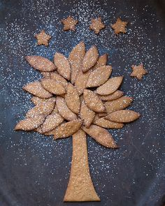 Norwegian Gingerbread Tree - Sweet Paul Holiday Countdown presented by Mrs. Meyer's Clean Day @mrsmeyersclean #sweetpaul #HomeGrownInspiration #Gingerbread #Norway
