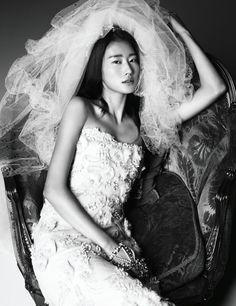 Runaway Bride| Lee Hyun Yi by Kim Youngjun for Harper's Bazaar Korea November 2012!