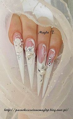 Embellishing your fingernails is usually a lot of fun. It will make a fashion statement. Look at the hottest trends and designs to keep you up to date. Beautiful Nail Art, Gorgeous Nails, Pretty Nails, Amazing Nails, Bridal Nails, Wedding Nails, Bling Nails, Swag Nails, 3d Flower Nails