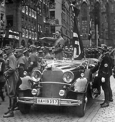 Hitler at a parade at the Nuremberg, Germany Main Market on the occasion of the Reichsparteitage in September 1935 Ww2 History, Military History, A Serbian Film, Nuremberg Rally, Nuremberg Germany, The Third Reich, Weird World, World War Two, Wwii