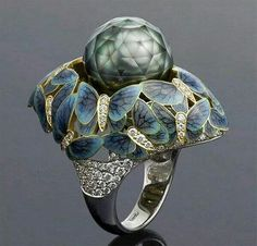 Amazing pearl ring
