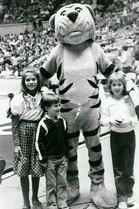 Memphis State Tiger mascot with kids, 1985.
