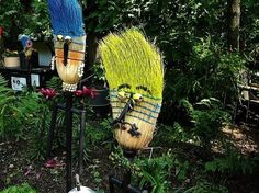 These would make funny scarecrows!! Unique Garden Junk Art | garden art | Flickr - Photo Sharing!