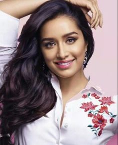 Bollywood Heroine Sharddha Kapoor Latest Photo shoot for Cosmopolitan Photos. Indian Bollywood Actress, Bollywood Girls, Beautiful Bollywood Actress, Most Beautiful Indian Actress, Indian Actresses, Bollywood News, Bollywood Fashion, Prettiest Actresses, Beautiful Actresses
