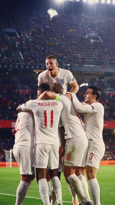 Spain 2 - 3 England, October Won in Spain for the first time in Years! England National Football Team, England Football, National Football Teams, Gareth Southgate, International Football, Ex Boyfriend, 30 Years, Manchester United, First Time