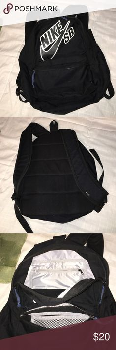 Nike SB 20L Backpack Basically brand new, used for one semester of college, carried lightly at all times!! Nike Accessories