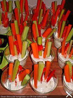 Kräuterdip mit Gemüsesticks, ein leckeres Rezept aus der Kategorie Vegetarisch. Bewertungen: 3. Durchschnitt: Ø 3,8.