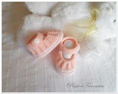 Vous voulez tricoter des petits chaussons !  Allez jeter un petit coup d'œil sur le blog de: 3 petites mailles Vo us y ...