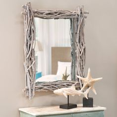 Driftwood mirror - Drivved, like beach glass, is one of the classic coastal decorative elements. Its nature lends an organic touch to any decor especially the beach house. Buy Driftwood, Driftwood Furniture, Driftwood Mirror, Driftwood Crafts, Home Decor Furniture, Florida Home Decorating, Coastal Mirrors, Pine Dining Table, Beach Theme Bathroom