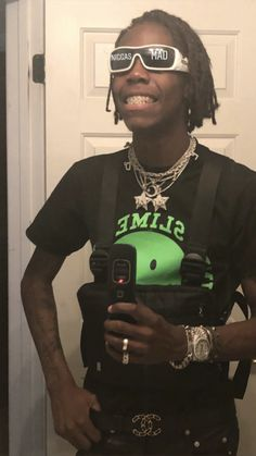 Yung bans Aesthetic Videos, Aesthetic Pictures, Lowkey Rapper, Trippy Iphone Wallpaper, Fat Nick, Hip Hop Playlist, Black Men Street Fashion, Denzel Curry, Current Mood Meme