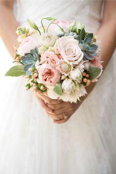 http://cache.stylemepretty.com/wp-content/uploads/2011/10/classic-wedding-2.jpg