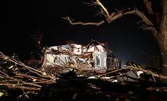 Tornado rips through Illinois
